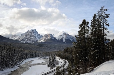 Morant's Curve, Banff National Park